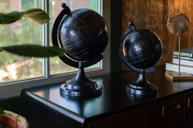 De wereld over met wereldbol Miles