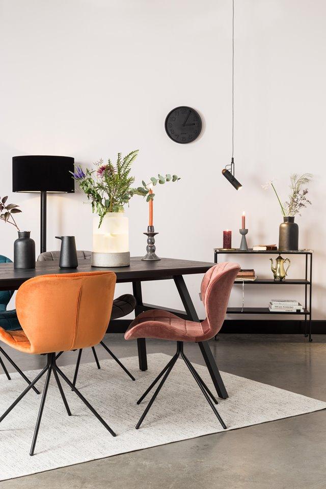 Stijlvol aan tafel met velvet stoelen