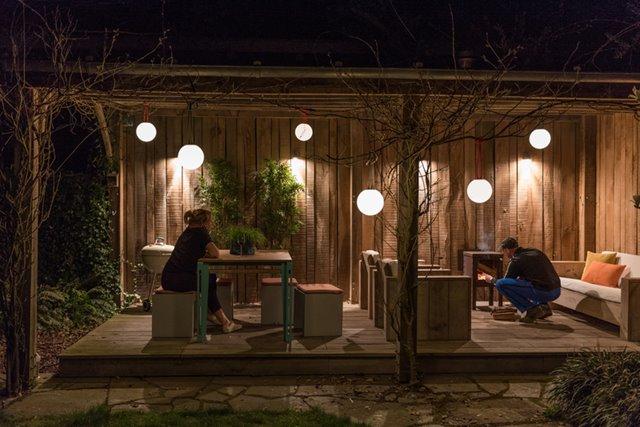 Maak je tuin extra sfeervol met deze tuinverlichting